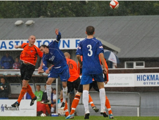 Herlihy wins header NT FA Cup_MG_9439_edited-1